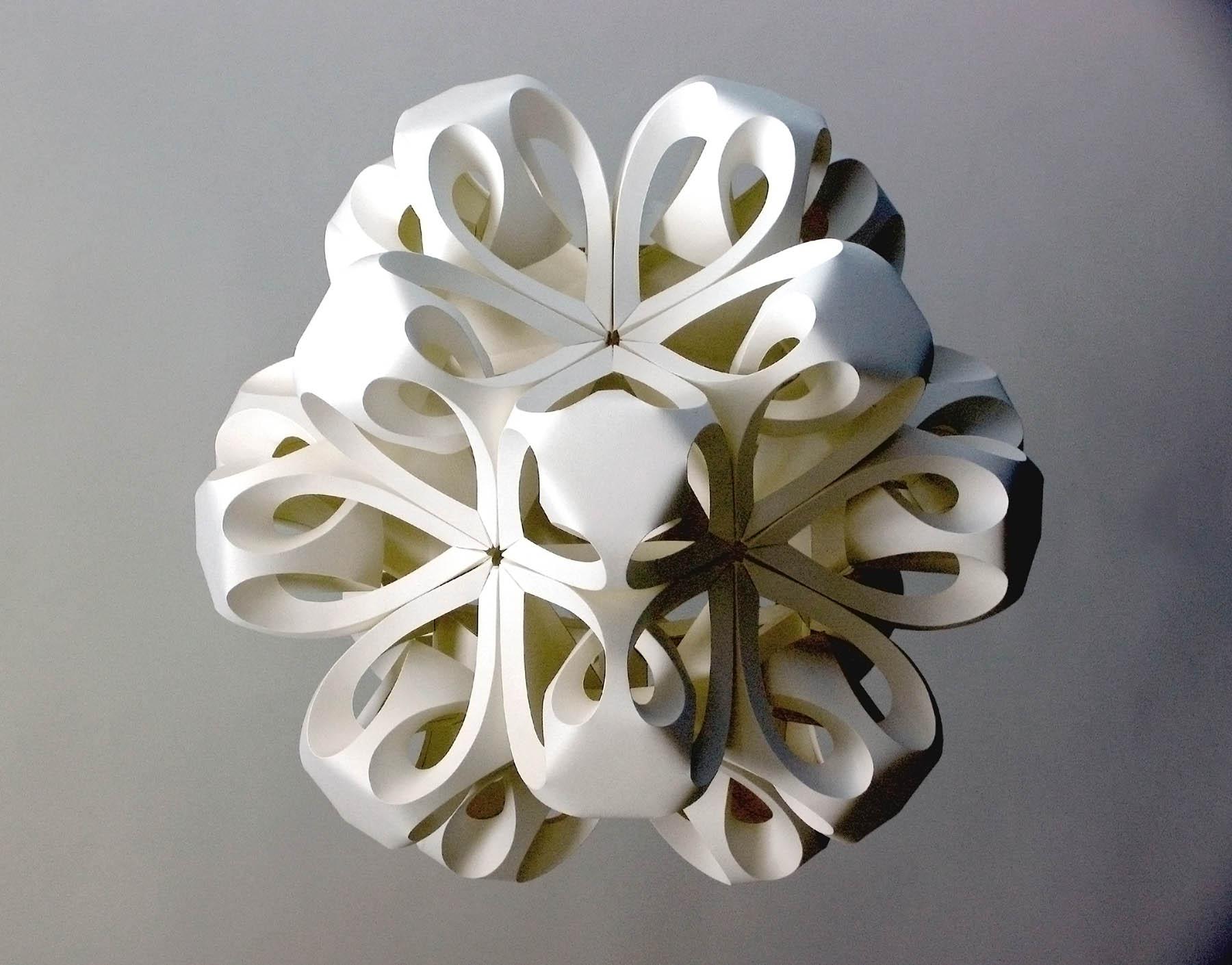 Sculptures en papier par Richard Sweeney